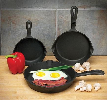 Universal Housewares Pre-Seasoned Cast Iron 3 Piece Skillet Set Review